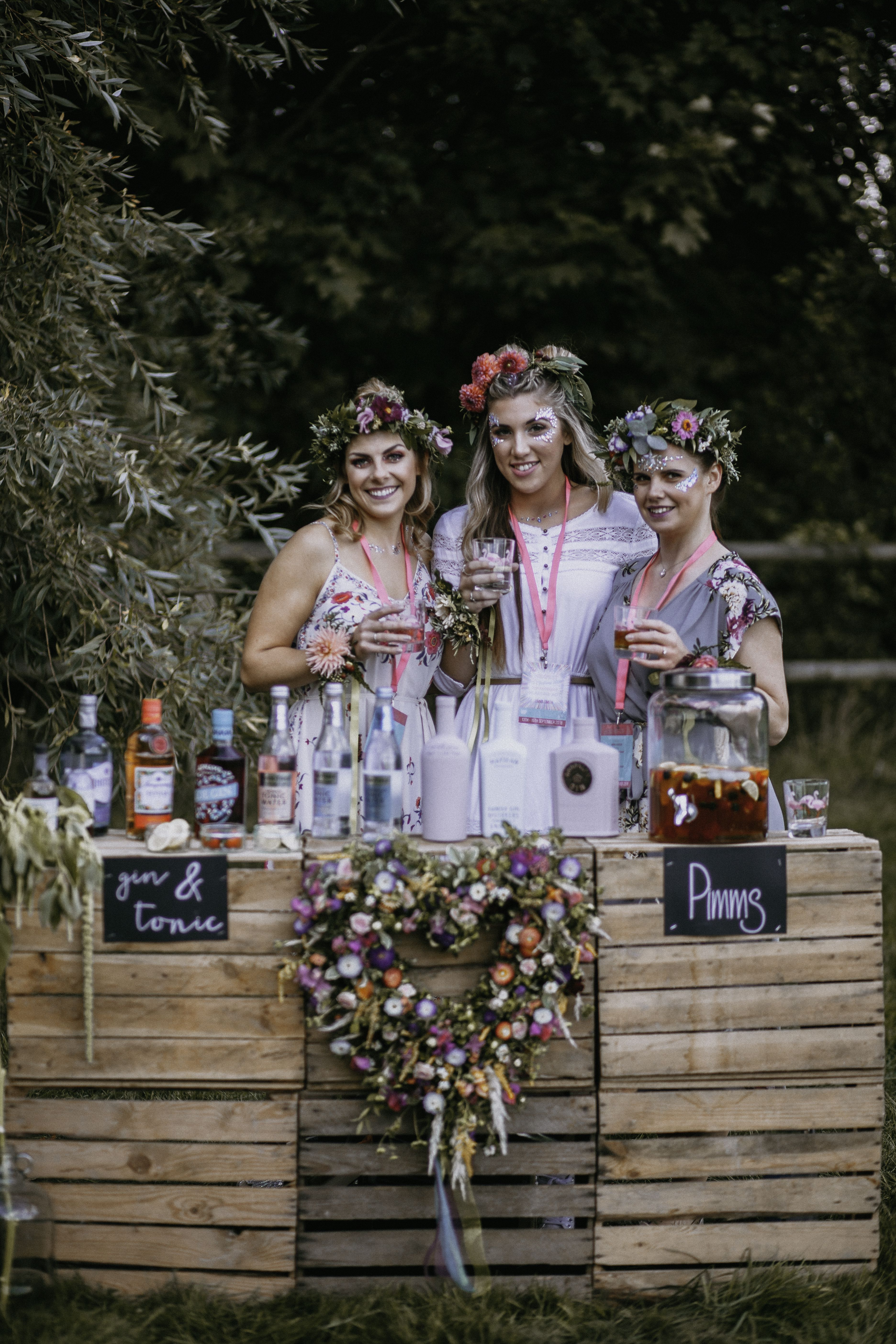 Host the perfect hen party for a festival loving bride to be including HENFEST lanyards and invites, personalised hen party bags, on trend festival outfits, beautiful festival decor and glitter everywhere! Perfectly styled by www.pitch-boutique.co.uk